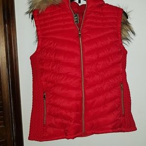 🎄CHRISTMAS SALE🎄 Red vest with  removal hat